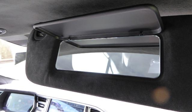 Tesla S P85D Sonnenblende Spiegel